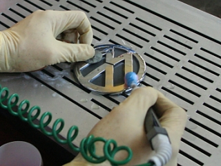 Goldplating VW Logo